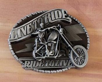 """Buckle / gesp  """" Live to ride skelet op motor """""""