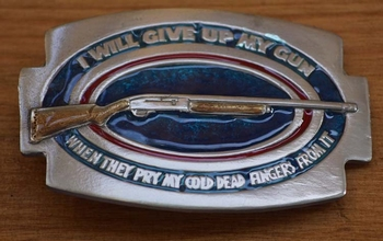 """Buckle / gesp  """" I will give up my gun, when ..... """""""
