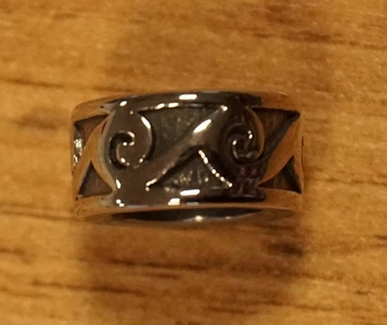 "Baardkraal "" Celtic symbols "" nikkel kleurig Per stuk"