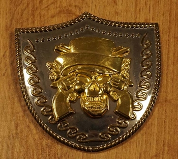 """Buckle  """" Doodskop met hoge hoed + revolvers """" zilver / goud"""