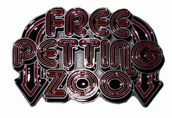"""Tekst buckle  """" Free petting zoo """"  Gratis"""