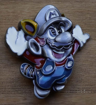 "Buckle  "" Super Mario ""   Tanooki"