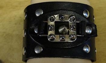 """Leren armband  """" Studs + sierwerk """"  zwart"""