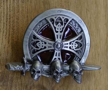 """Buckle / gesp  """" Keltisch teken met doodshoofden """""""