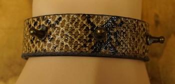 "Leren armband  "" Krokodillenprint met spikes """