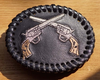 """Leren belt buckle  """" Revolvers """""""