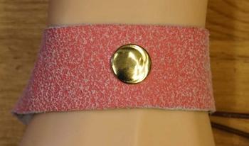 """Leren armband met veter vast maken """"Studs + kralen """" Roze"""