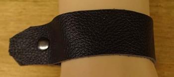 """Brede leren armband met franjes  """" Donker bruin """""""