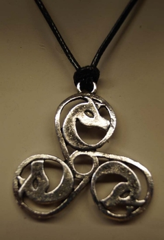 "Ketting  "" Celtic knot 3 horse """