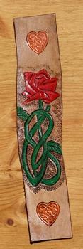 """Lederen boekenlegger """" Roos met keltisch hart """"  Gekleurd"""