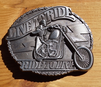 "Motor buckle  "" Live to ride,  Ride to live ""  Blank"