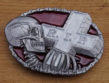 """Belt buckle  """" RIP  Grafsteen met doodskop """""""
