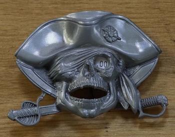 """Belt buckle """" Doodsmasker piraathoed sabels """""""