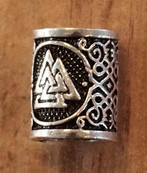 """Baardkraal """" Celtic knoop driehoek """" nikkel kleurig Per stuk"""