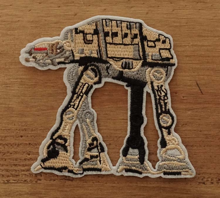 "Applicatie "" Star wars ""  robot"