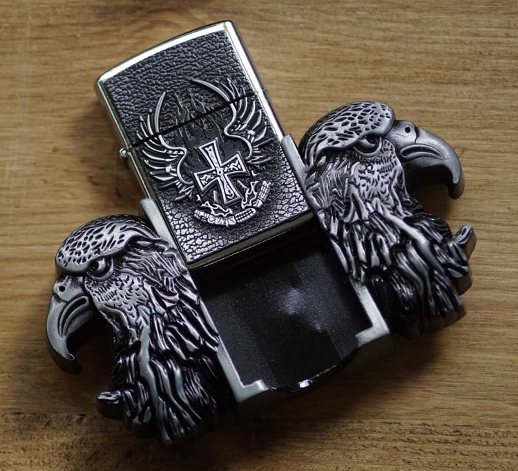 "Belt buckel with lighter "" Adelaarshoofd """