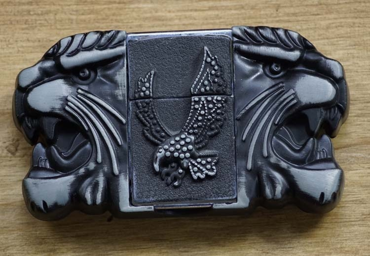 "Belt buckel with lighter "" Tijgers / vliegende adelaars """