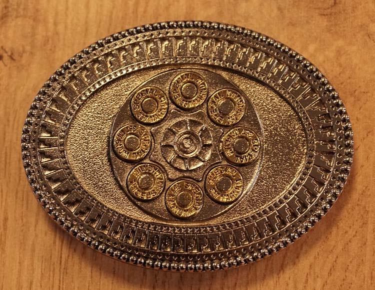 """Belt buckle  """"  Binnenkant revolver """" zilver / goudkleurig"""
