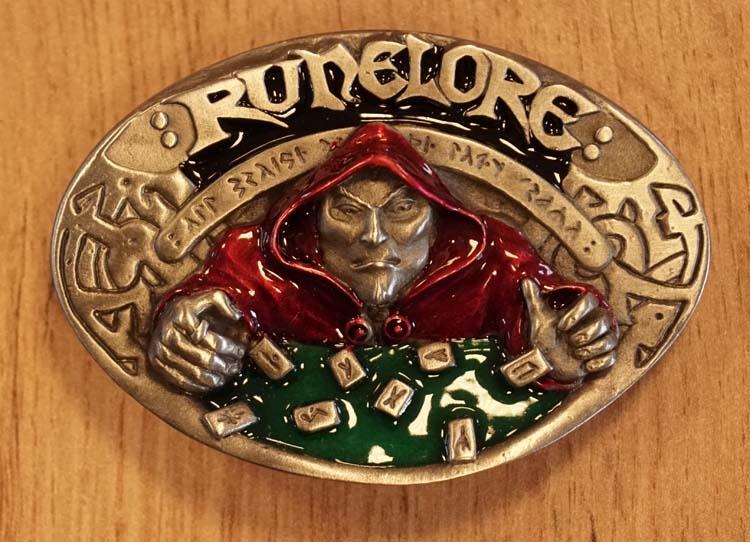 """Belt buckle  """" Runelore """" ( waarzegster )"""