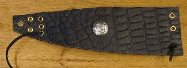 """Brede schuine leren armband met veter vast  """" Bizon """" Zwart"""