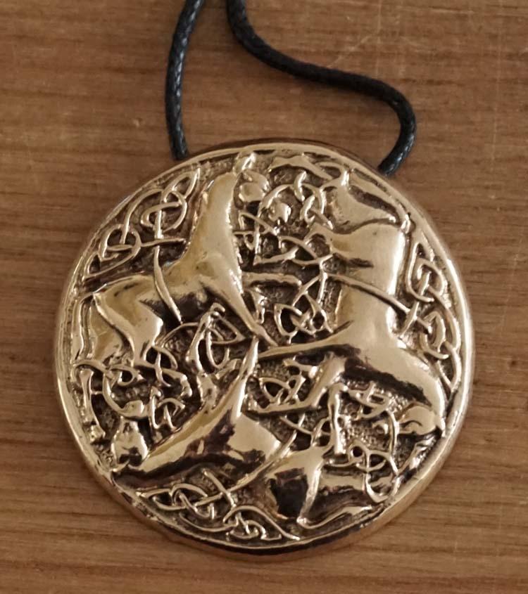 """Bronzen ketting  """" 3 Keltische paarden """""""