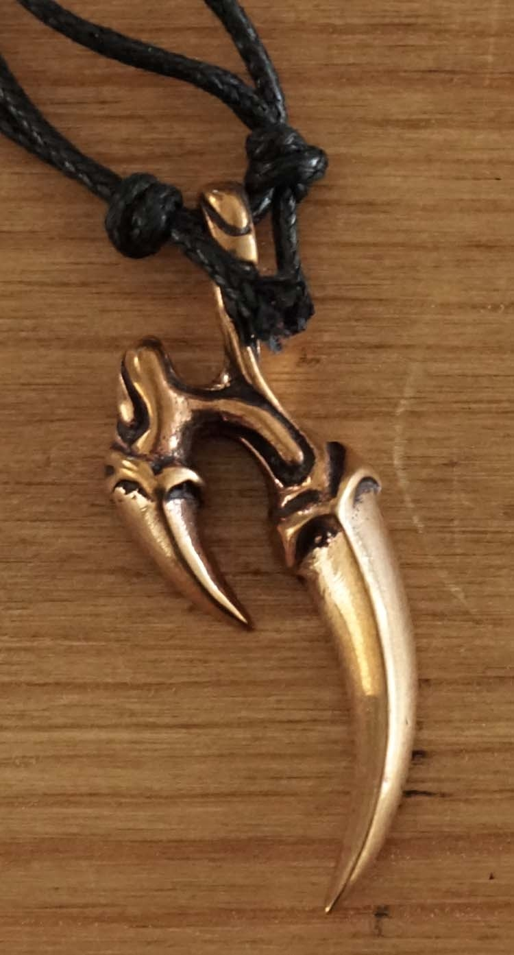 "Bronzen ketting  "" Drakenklauw """
