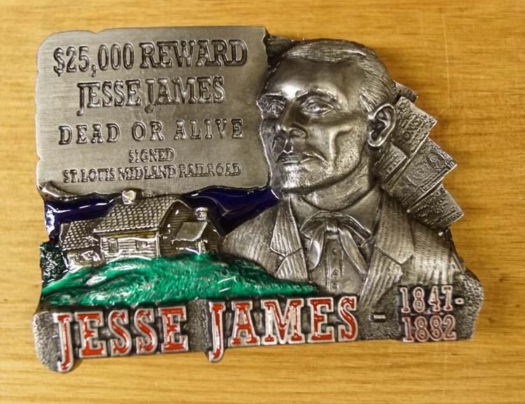 """Buckle  """" $ 25.000 reward Jesse James dead or alive """""""