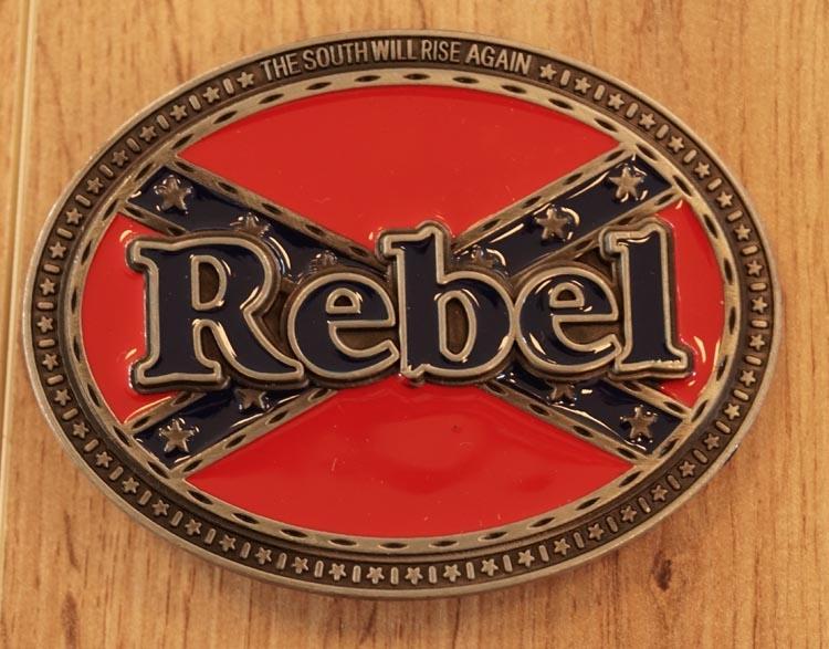 """Buckle   """" Tekst rebel op rebelvlag """""""