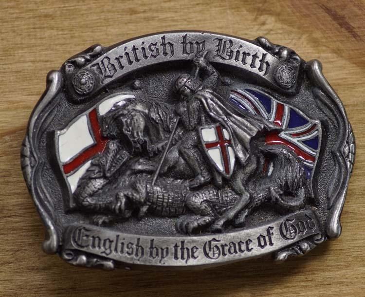 """Buckle """"  Als Brit geboren, Engelsman door Godsgenade """""""