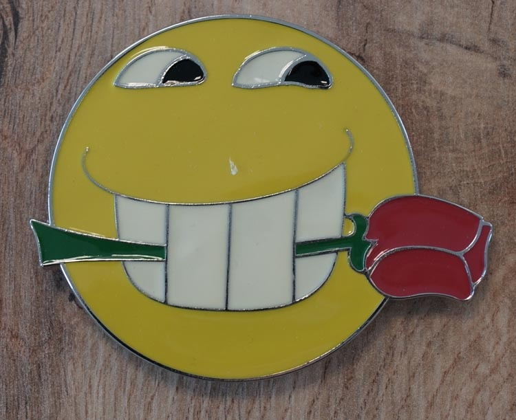 """Buckle """" Smiley met roos """""""