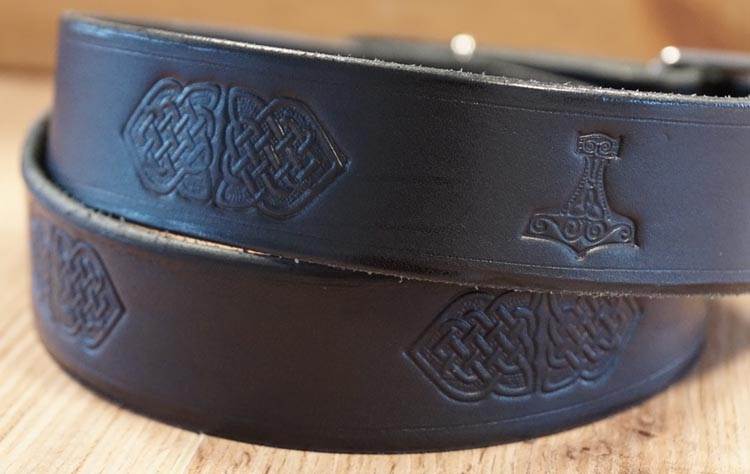 """Buckle riem """" Keltische knopen + hamer van Thor """"  zwart"""
