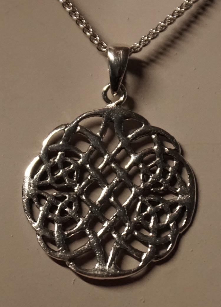 """Zilveren hanger  """" Keltische knoop """""""