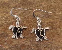 Zilveren oorhangers met zwarte stenen