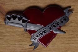 "Buckle / gesp  "" Love hurts """