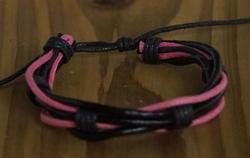 "Leren armband  ""  Zwart / roze """