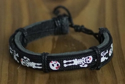 "Leren armband  "" Skellet ""  Zwart"