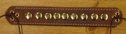 "Armband met veter vast maken "" Goudkleurige studs "" Bruin"