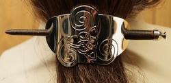 """Haarspeld met haarstokje """" Triskelion met eindeloze knoop """""""