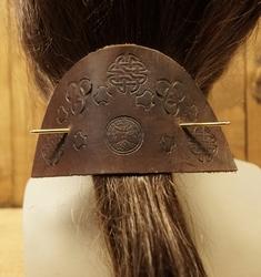 """Leren haarspeld  """" Levensboom met keltische tekens """""""