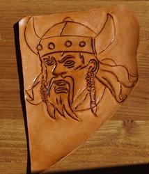 """Lederen applicatie  """" Viking """"  Tan"""