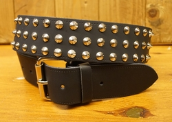 Leren buckle riem 3 rijen conical studs