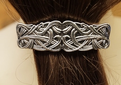 """Haarclip  """" Keltische knoop """"   Zilverkleurig"""