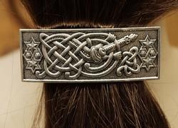 """Haarclip  """" Keltisch knoop met gitaar """"   Zilverkleurig"""
