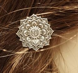 """Haarclip  """" Lotusbloem """"   Zilverkleurig"""