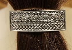 """Haarclip  """" Keltische tekens """"   Zilverkleurig"""