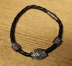 "Zwarte leren armband  "" Keltisch """