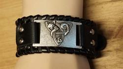 "Zwarte leren armband  "" Keltisch kat """