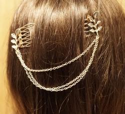 "Haarkammen met ketting   "" Tak met bladeren ""  goudkleurig"