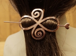 """Haarspeld  """" Celtic knot """"  rose kleurig"""