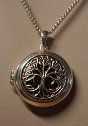 Zilveren medaillon hanger